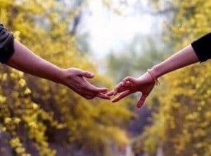 Sabia que cada um dos dedos das mãos têm um significado diferente? Sabia que eles SEMPRE dizem o que você está sentindo, mesmo que sua boca diga o contrário