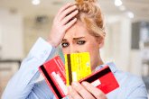 Entenda o risco dos múltiplos cartões