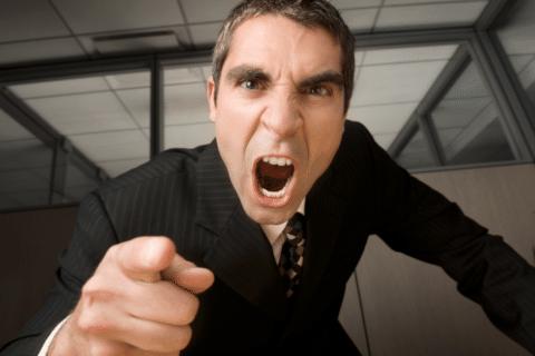 Por que as empresas não sabem contratar e promover bons líderes?