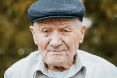 Envelhecer: Velhice será classificada como doença pela OMS - Código MG2A