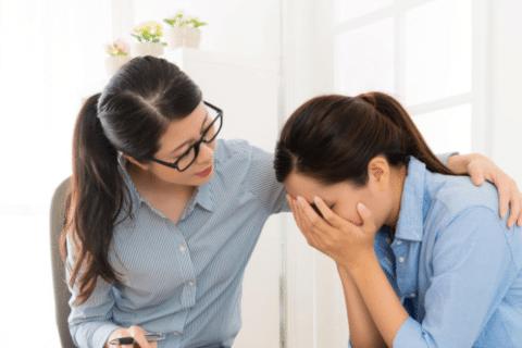 A solidão em comum do maternar e do empreender